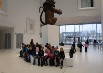 """Museumsbesuch der 2.Klassen """"Mit 100 Sachen durch die Geschichte"""" 1"""
