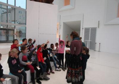 """Museumsbesuch der 2.Klassen """"Mit 100 Sachen durch die Geschichte"""" 4"""
