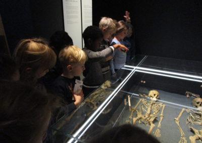 """Museumsbesuch der 2.Klassen """"Mit 100 Sachen durch die Geschichte"""" 5"""