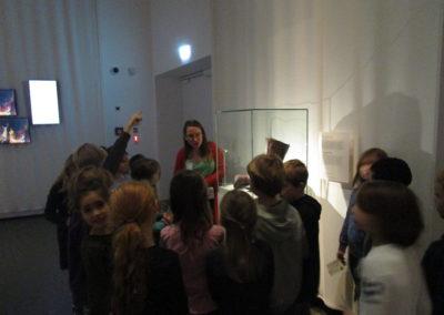 """Museumsbesuch der 2.Klassen """"Mit 100 Sachen durch die Geschichte"""" 7"""